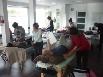 LE MASSAGE SENSITIF ET EMOTIONNEL